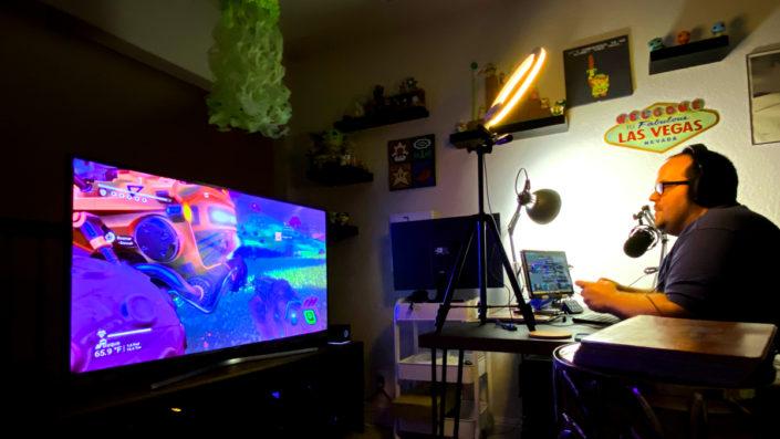 Jonathan Irvin streaming No Man's Sky video game.